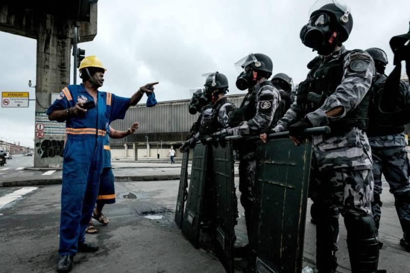 Estivadores em luta na Greve Geral. Foto: El Pais